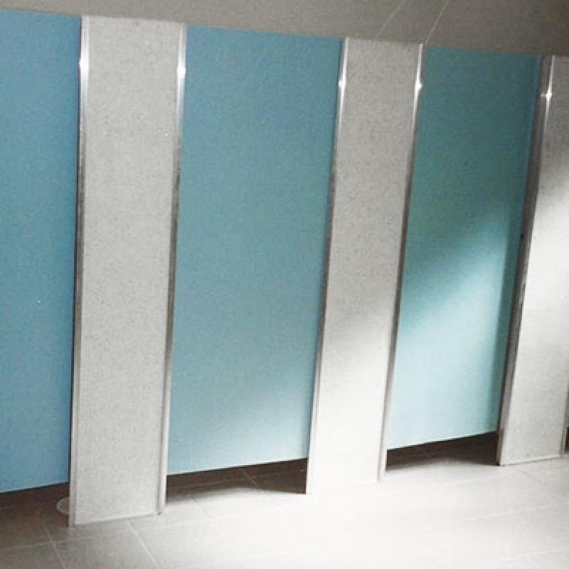 Divisoria de Granilite Banheiro Pedra Bela - Divisoria Granilite