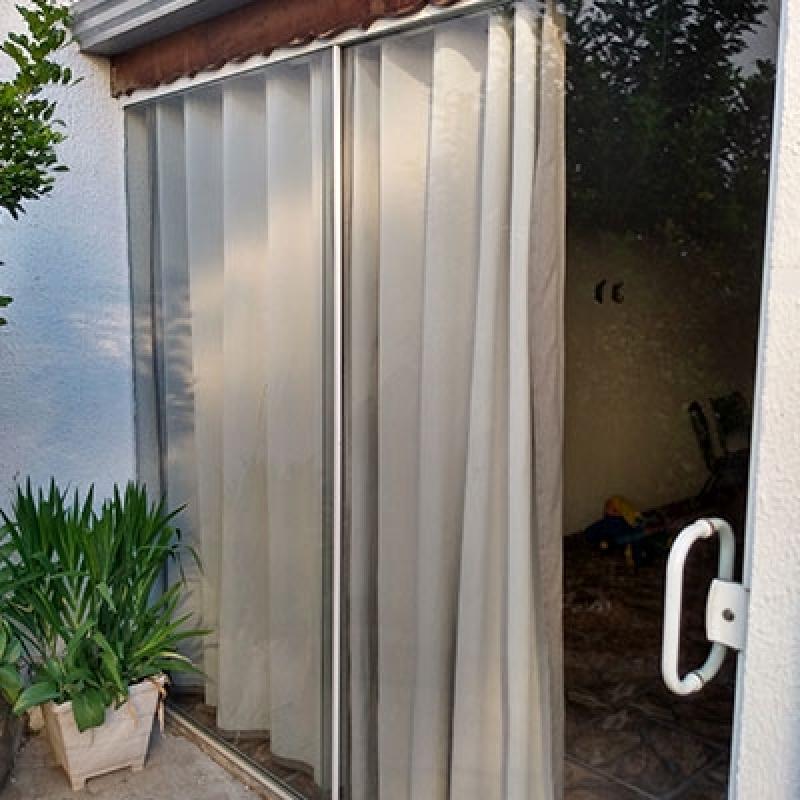 Divisória em Vidro Temperado com Porta Correr Paulínia - Divisória Vidro Temperado Instalado