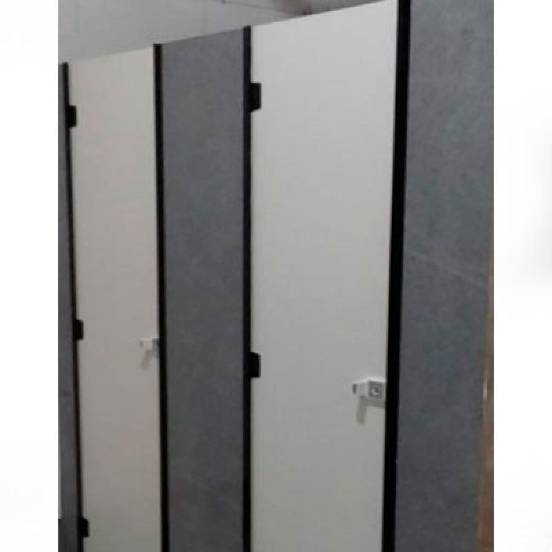 Empresa de Divisória de Banheiro Feito de Granito Cinza Atibaia - Divisória Banheiro Box de Granito