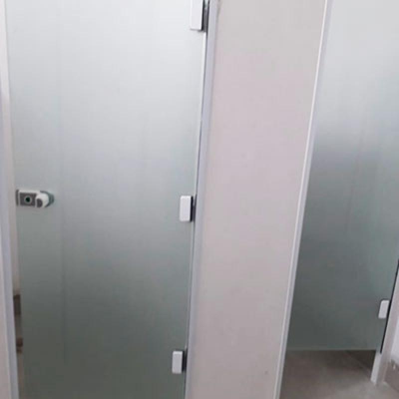 Instalação de Divisória de Vidro Temperado de Canto Louveira - Divisória Vidro Temperado Instalado