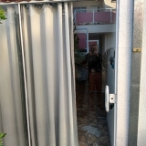 colocação de divisória em vidro temperado com porta correr Louveira
