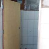 divisoria de granilite para banheiro