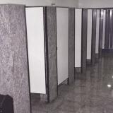 divisória banheiro granito box
