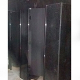 divisória de banheiro granito